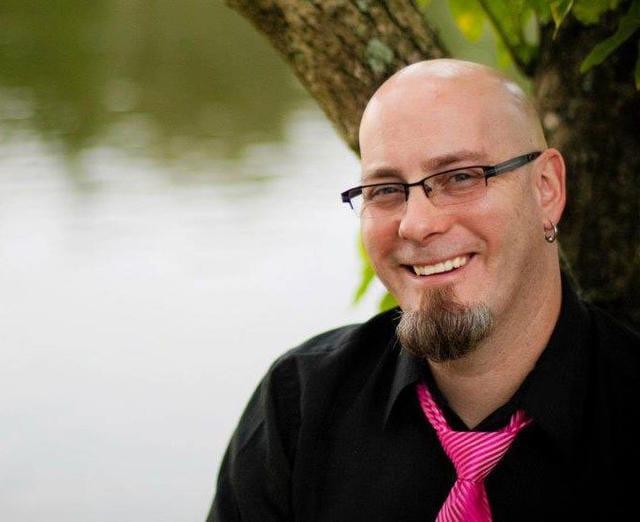 Portrait of Brainbuffet founder and teacher Rob Schwartz
